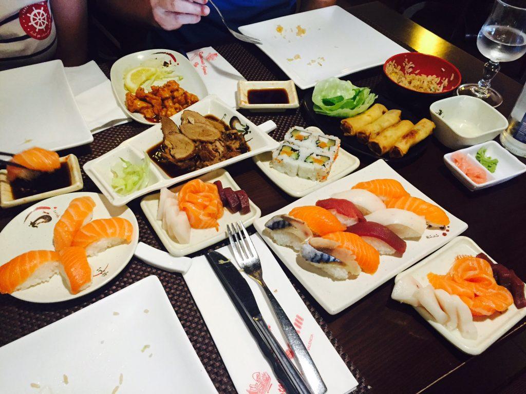 Osaka III en Valencia, menú 5 platos para 3 personas.